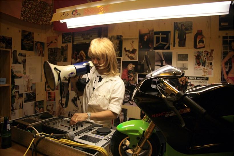 Surasi Kusolwong: Woman, Machine, Motion: Opening night (02)