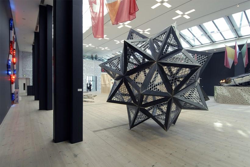 Kendell Geers: Irrespektiv: Exhibition image (04)