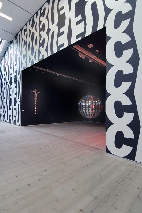 Kendell Geers: Irrespektiv: Exhibition image (05)