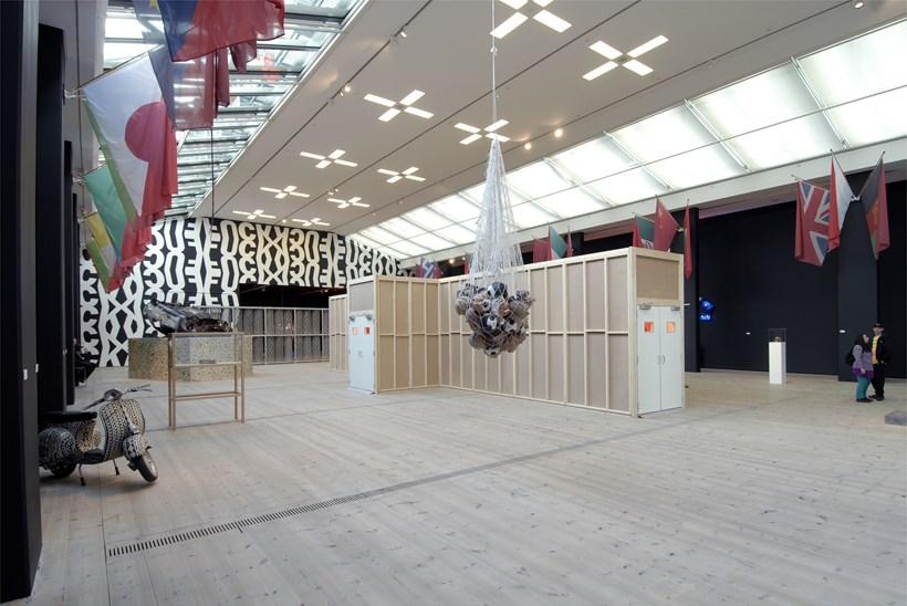 Kendell Geers: Irrespektiv: Exhibition image (08)