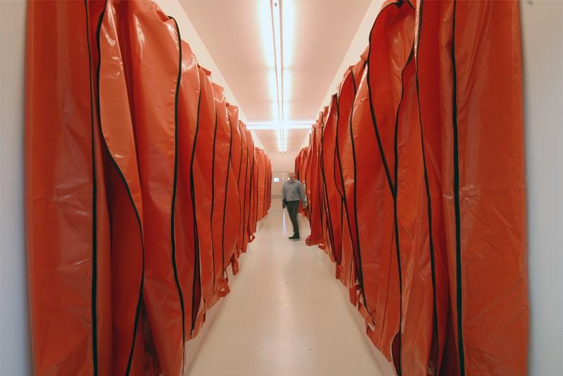 Kendell Geers: Irrespektiv: Exhibition image (09)