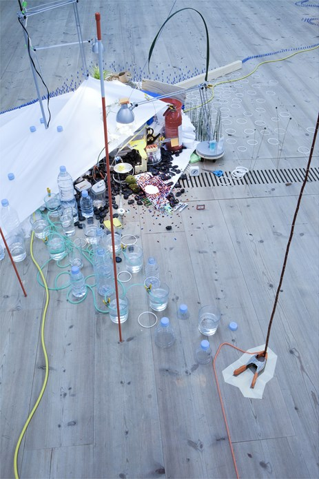 Sarah Sze: Tilting Planet: Exhibition Image (02)
