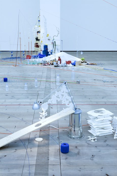 Sarah Sze: Tilting Planet: Exhibition Image (05)