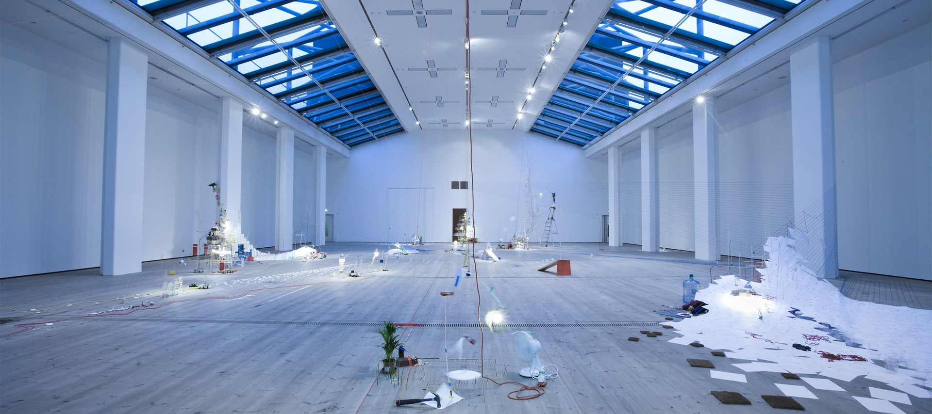 Sarah Sze: Tilting Planet: Exhibition Image (06)