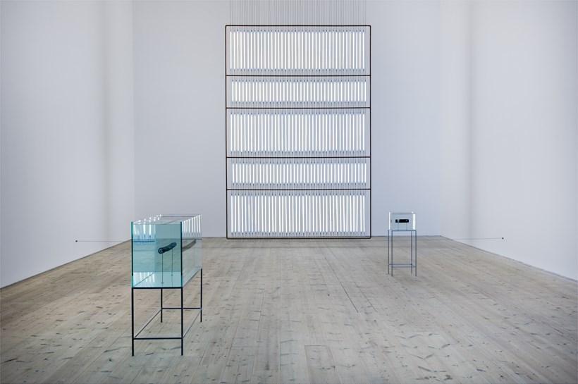 Nina Canell: Near Here: Exhibition Image (01)