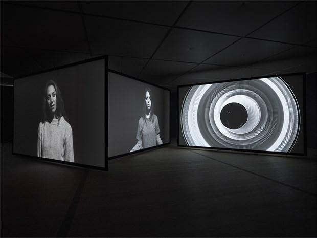 http://balticplus.uk/images/26200/7/0x465_s1_f0_ce6e6e6_m0_q90/0/0/gail-pickering-mirror-speech-installation-image-02/?_=iFZTt