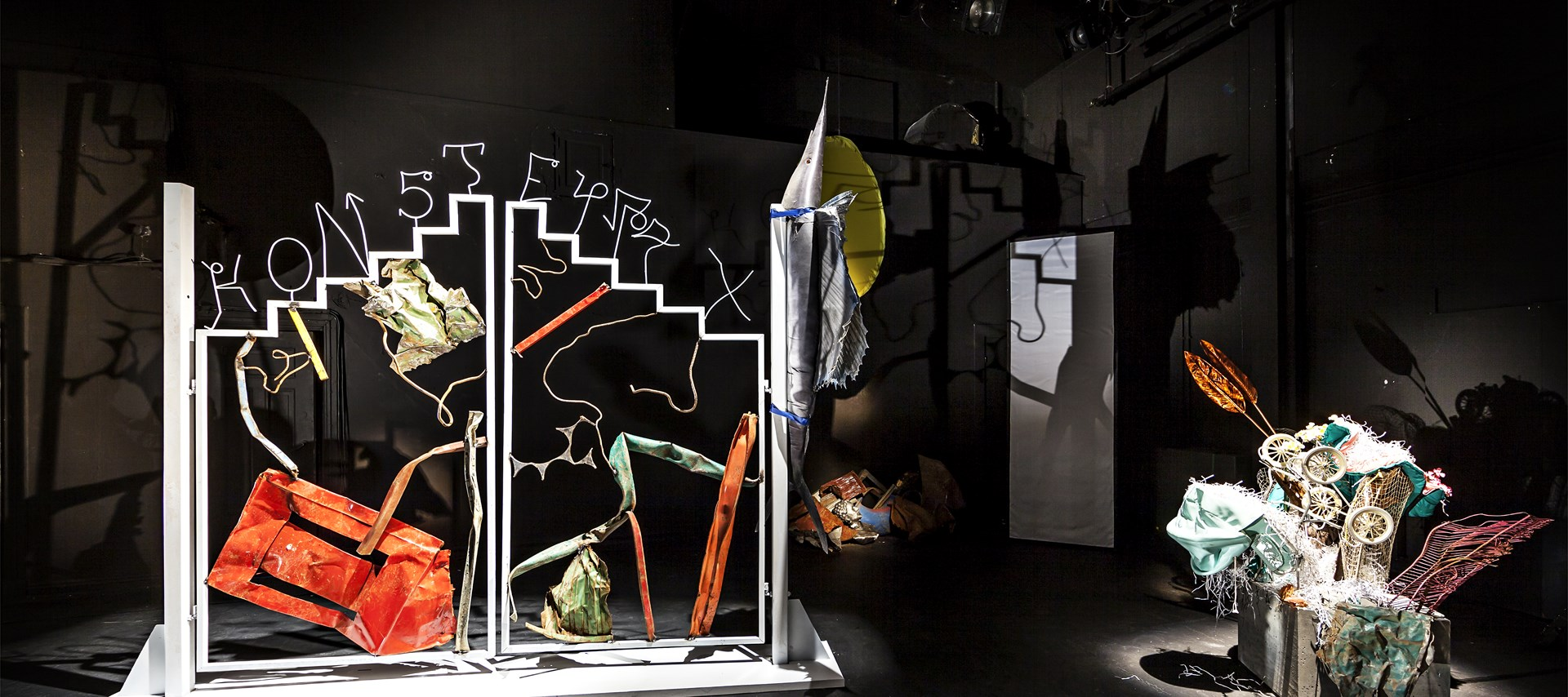 Ida Ekblad KONSTELLASJONER Scenography: Nationaltheatret, Oslo 2015