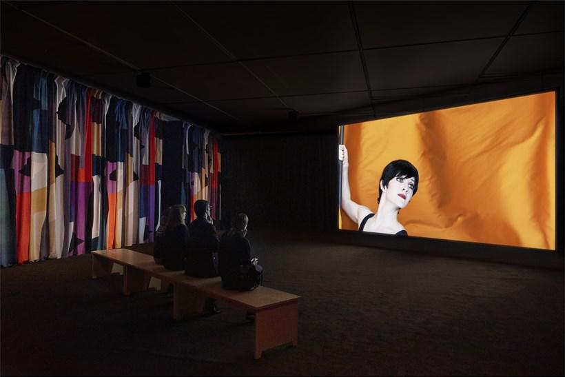 Jasmina Cibic: Nada: Act II: Installation View (01)