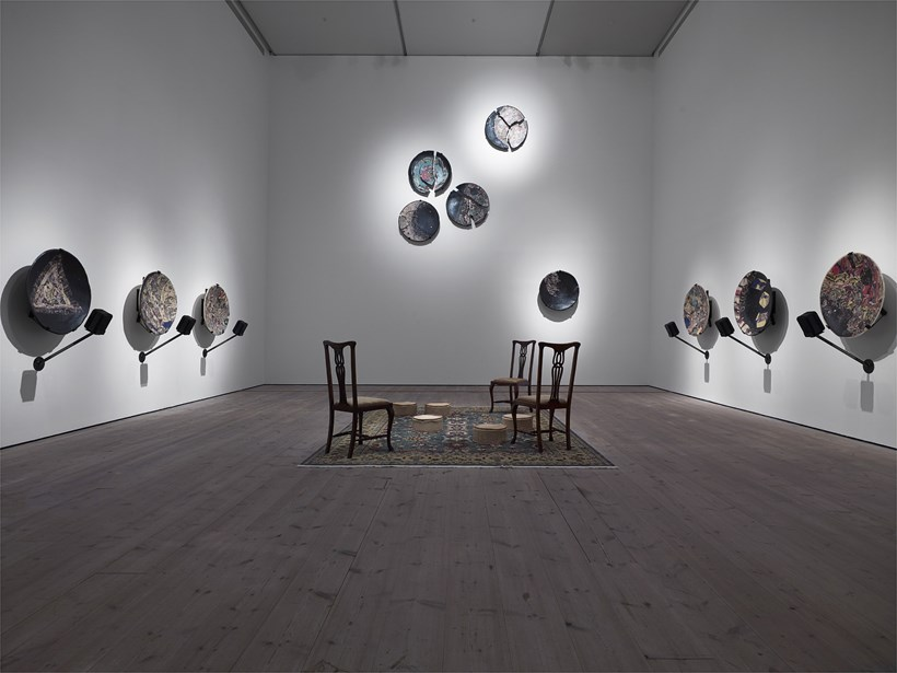 Serena Korda: Missing Time: Installation View (01)