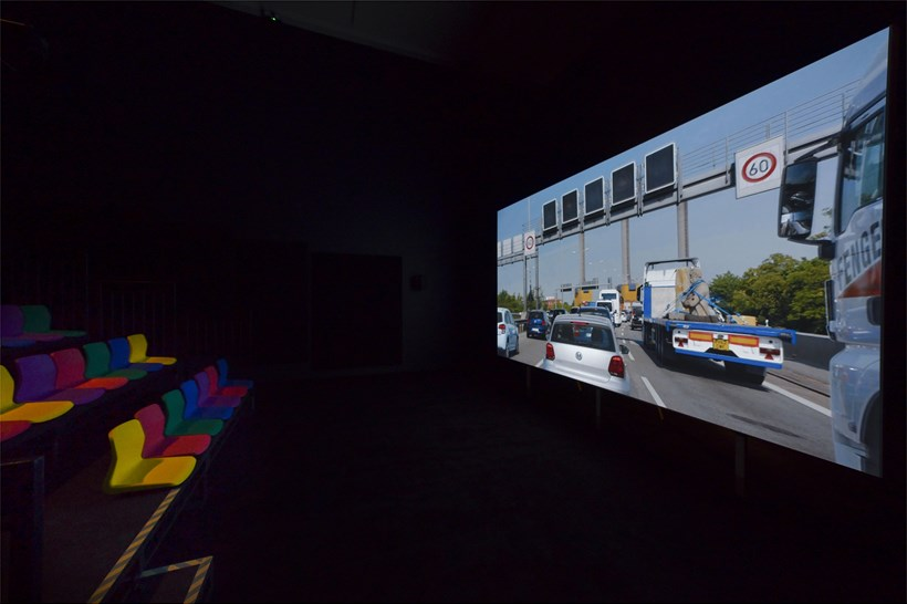 Phil Collins: Ceremony: Installation view (02)