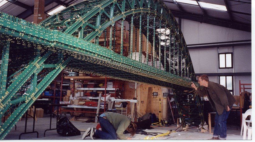 Chris Burden: The Bridges: Tyne Bridge under construction