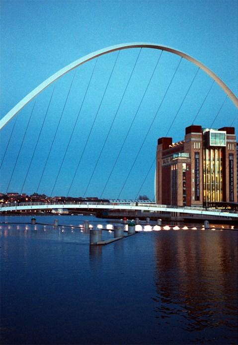 BALTIC Centre for Contemporary Art [2003/00/00] BALTIC seen through the Millennium Bridge