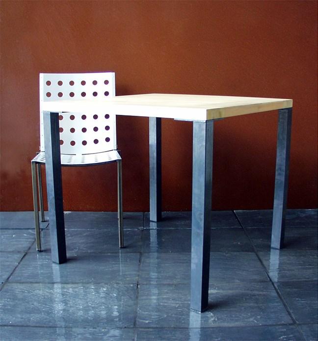 BALTIC: Furniture: October 2001 (03)