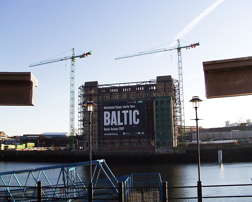 BALTIC Centre for Contemporary Art [2000/00/00] Banner on north face c.2000