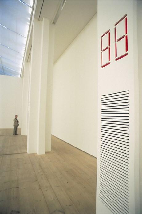 Susan Hiller: Recall 1969-2004: Clinic: Exhibition Shot (19)