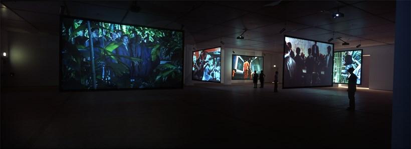 Julian Rosefeldt: Asylum: Exhibition Images (03)